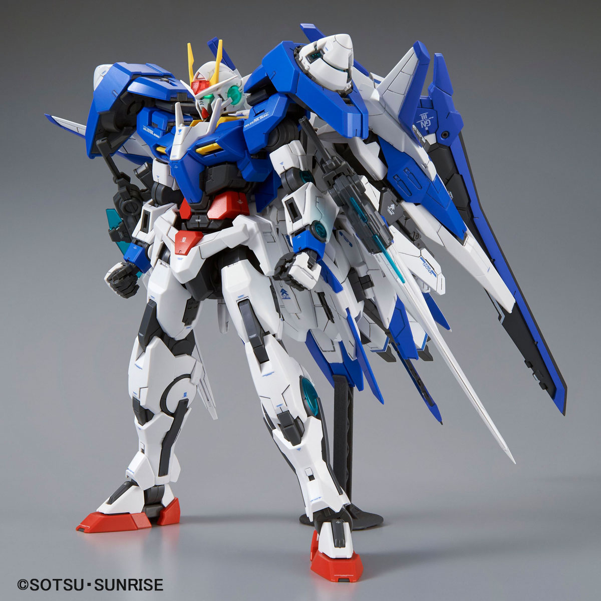 00 XN Raiser Mobile Suit Gundam 00V MG 1/100 Model Kit
